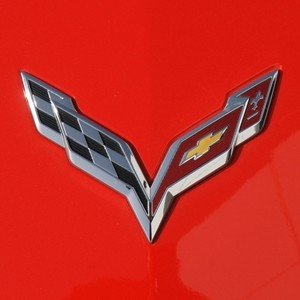 C7 Corvette Stingray/Z06 2014+  Front Crossed Flag Emblem